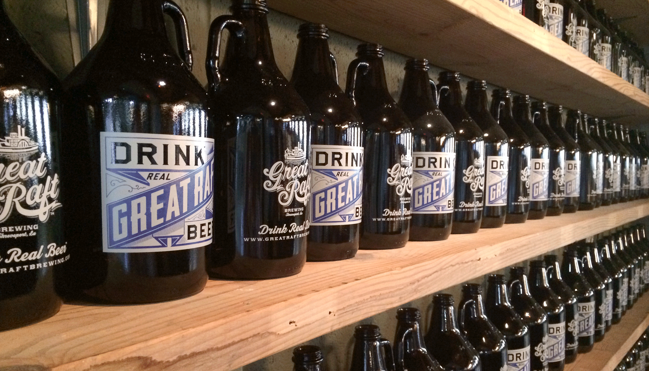 derouen_greatraftbrewing_growlers